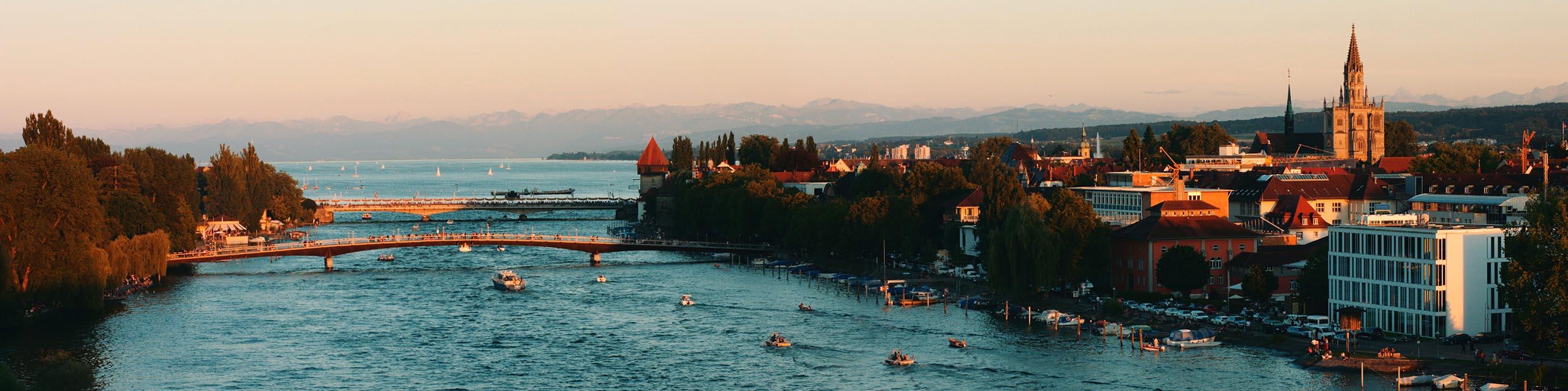 Aussicht in Konstanz vom Seerhein auf den Bodensee
