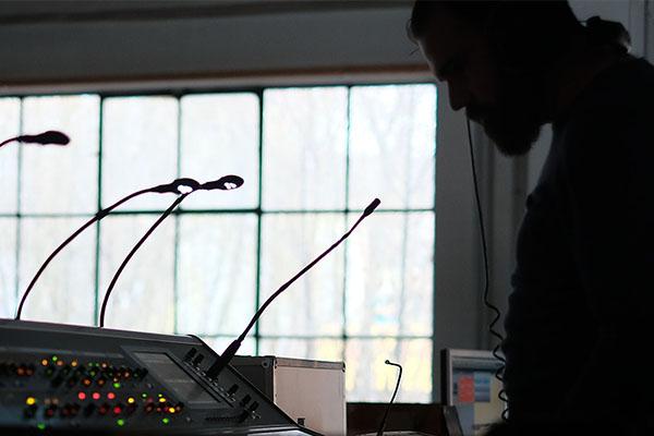 Sounddesign: Abmischen der Tonspuren für Filmmusik